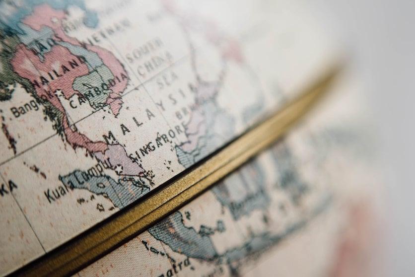 Globe with language aims